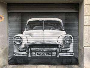 retulación y decoración puerta de garaje